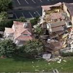 Otro agujero derrumba casas en Orlando.
