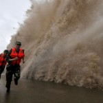 China bajo la furia del tifón Fitow: tres muertos y 750.000 evacuados,aporte Hna. María Elena