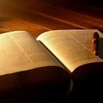 Apartando a los Cristianos de la Palabra de Dios.