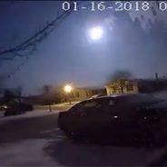 """""""Cae un meteorito cerca de Detroit y provoca un temblor de intensidad 2"""",Aporte Hna. María Elena"""